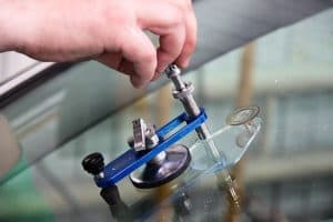 ремонт стекол автомобиля
